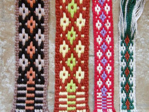 Four versions of the yurt band border design
