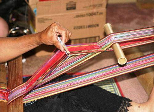 montagnard weaver opening heddle shed