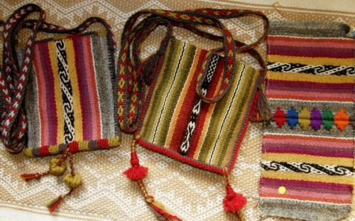 finishing techniques on bolivian pouches