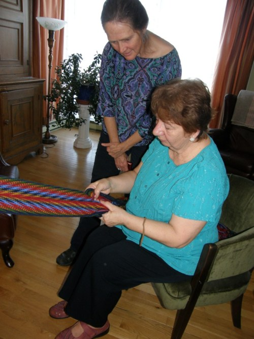 France demonstarted finger weaving with Lausanne