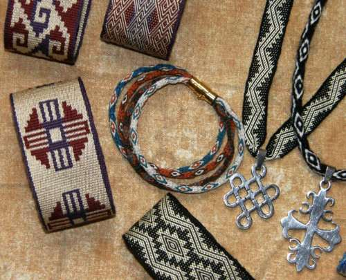 nawi awapa bracelet backstrap weaving