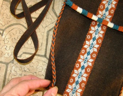 tubular band on wool bag
