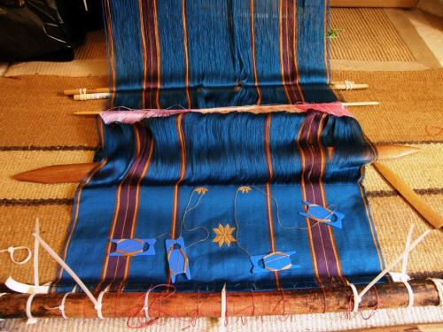 silk on silk supplementary weft motifs