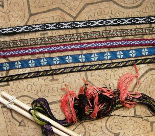 lanyards with multiple string heddles