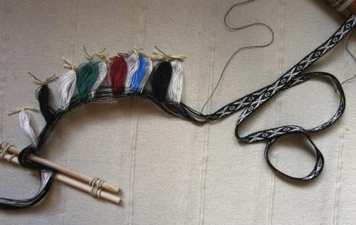 11 heddles on band backstrap weaving