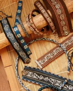 brown and blue wool jewely backstrap weaving