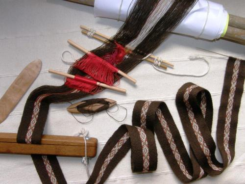 edging band backstrap weaving with band lock